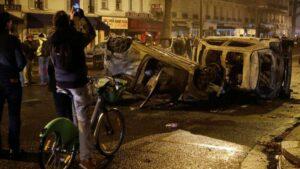 Más de 30,000 chalecos amarillos protestan en Francia; hay cientos de detenidos
