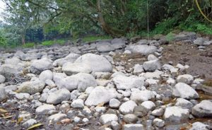 Socavón está secando un río en Amatlán, Veracruz